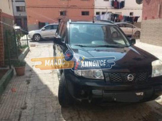 Vente une voiture nissan-X TRAIL diesel ocassion noir