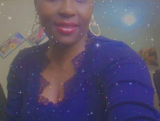 jeune fille ivoirienne est à la recherche de travail dans restaurant comme faire le ménage où la plonge  voici mon contact 0606806143